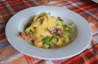 Fettuccine Papalina with Peas